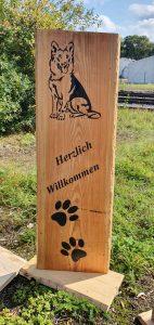Holzaufsteller mit Schäferhund